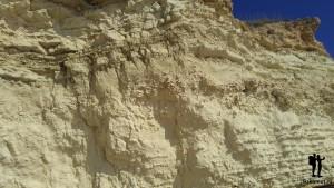 Песчаник на берегу