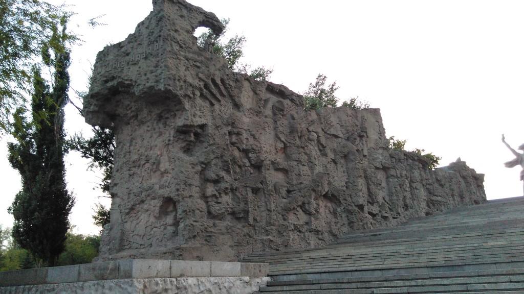 Левая стена-руина