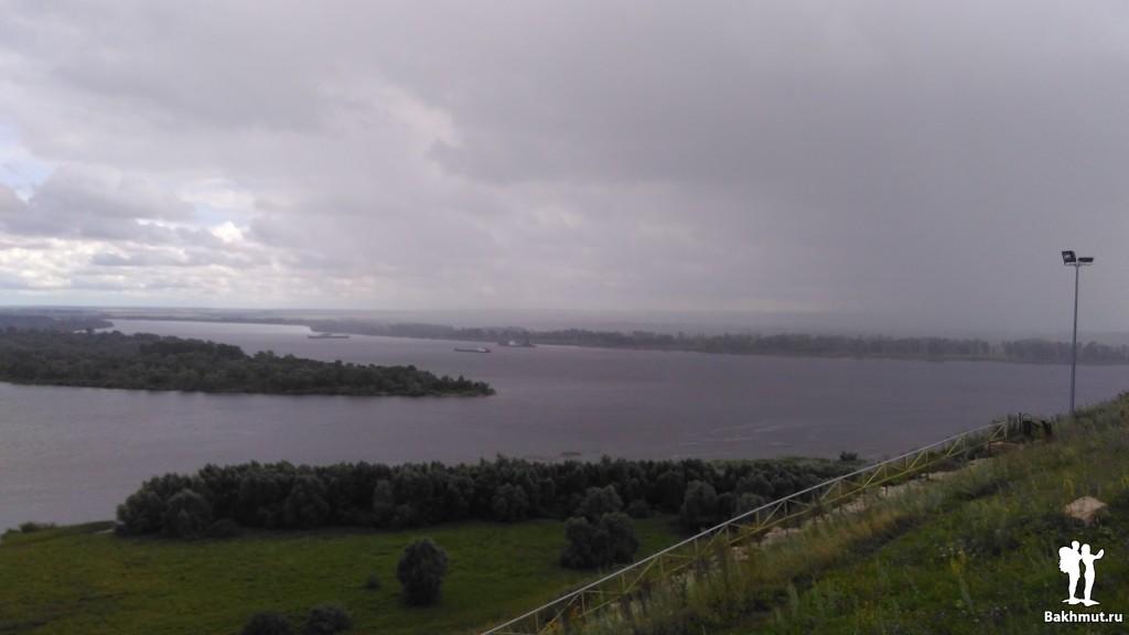 Елабуга. Дождь над Камой